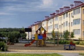 Жилой комплекс Рождественский и детская площадка