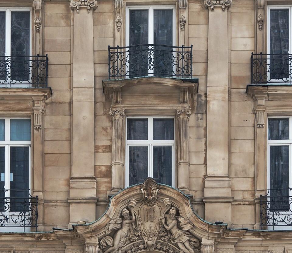 квартира с французским балконом